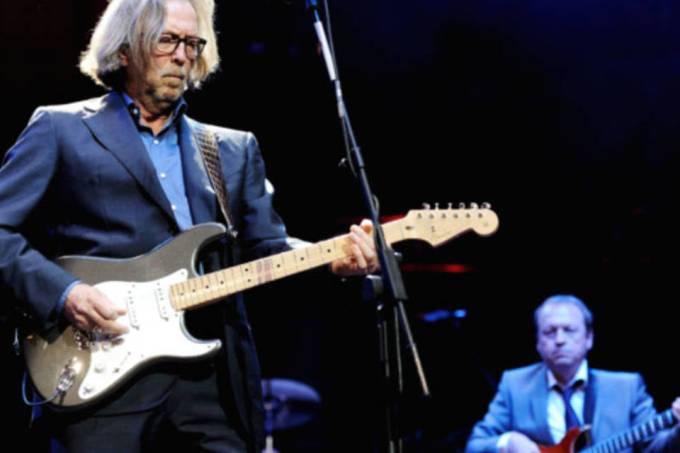 Eric Clapton teria ficado sem o movimento das mãos após a vacina contra a Covid-19?